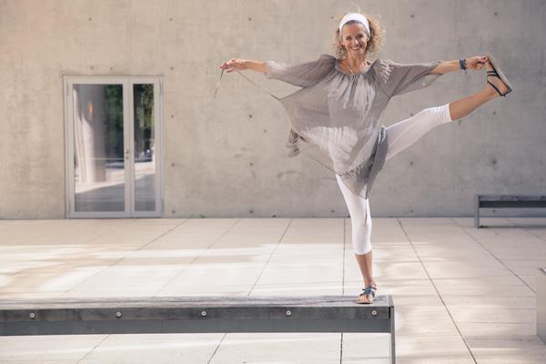 Bettina Salomon praktiziert Kundalini Yoga nach Yogi Bhajan